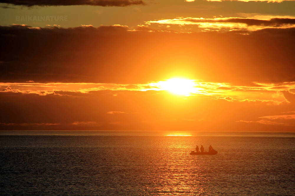 Coucher de soleil en mer d'Okhotsk